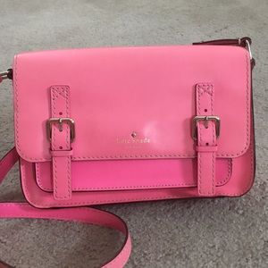 ♠️ Kate spade bright pink leather crossbody cute♠️